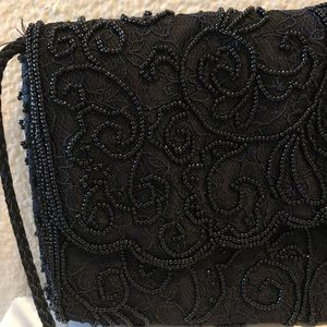 LA REGALE black lace and beaded shoulder purse